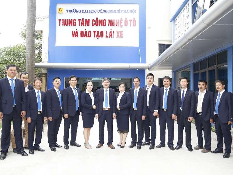 Trung tâm Công nghệ ô tô và Đào tạo lái xe tổ chức các hoạt động tri ân ngày nhà giáo Việt Nam 20/11